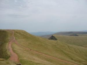 the path from Corn Du to Pen-y-Fan meets the lower route (avoiding Corn Du summit)